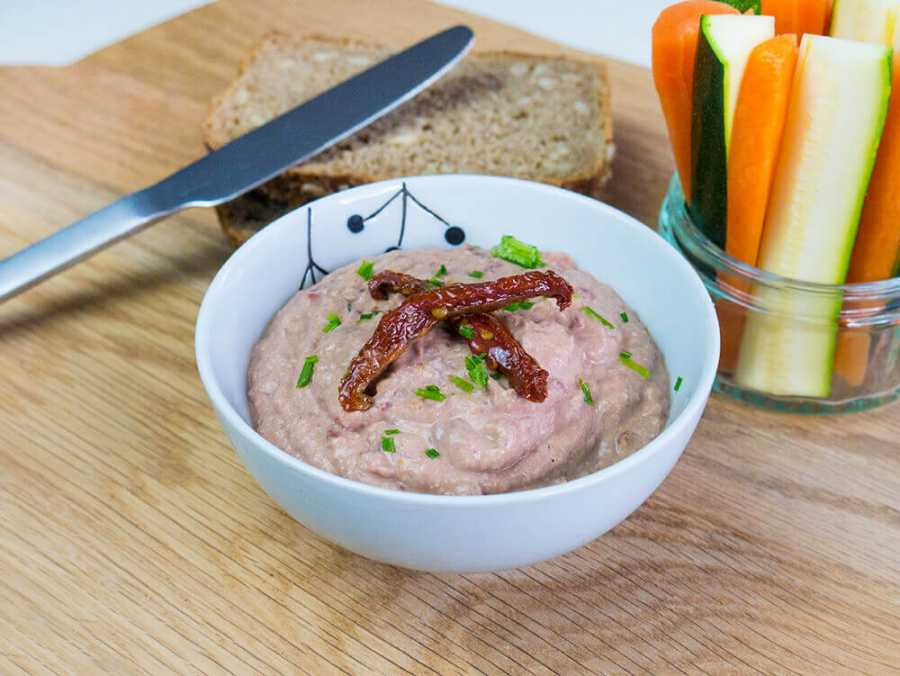 Aduki bean and sun-dried tomato hummus