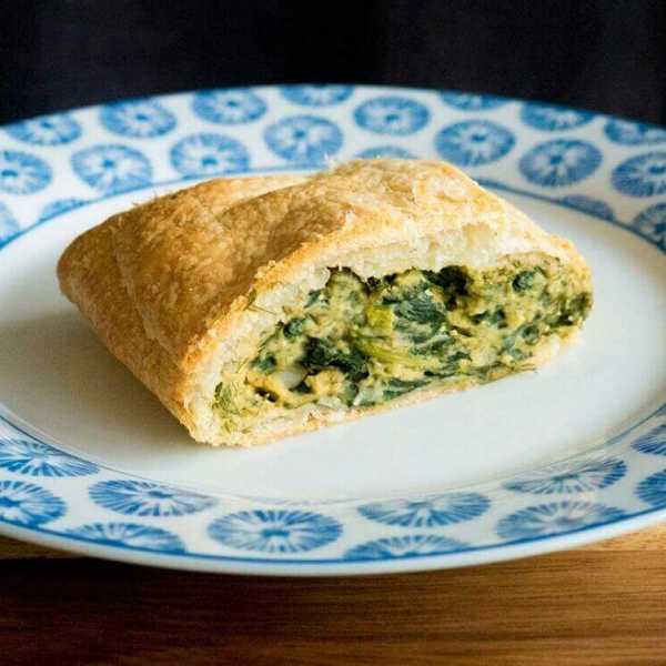Easy vegan spinach 'pie' or Spanakopita