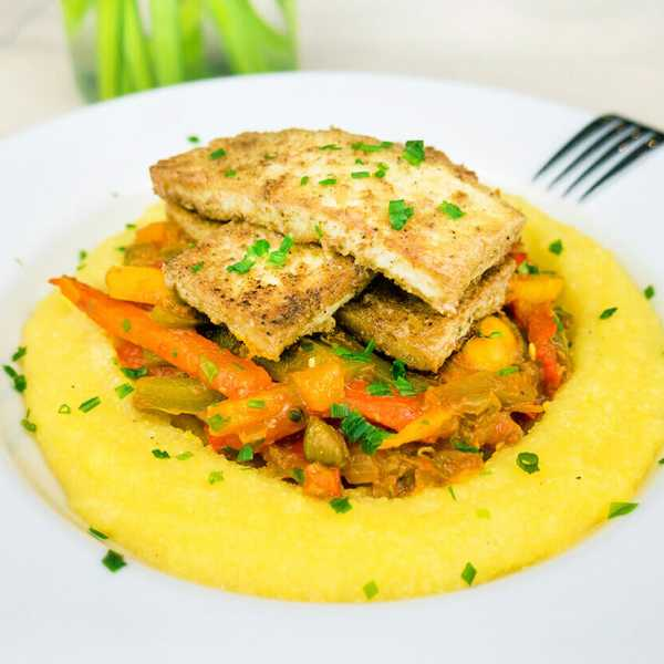 Polenta with mixed peppers and mushrooms and crispy pan fried-tofu