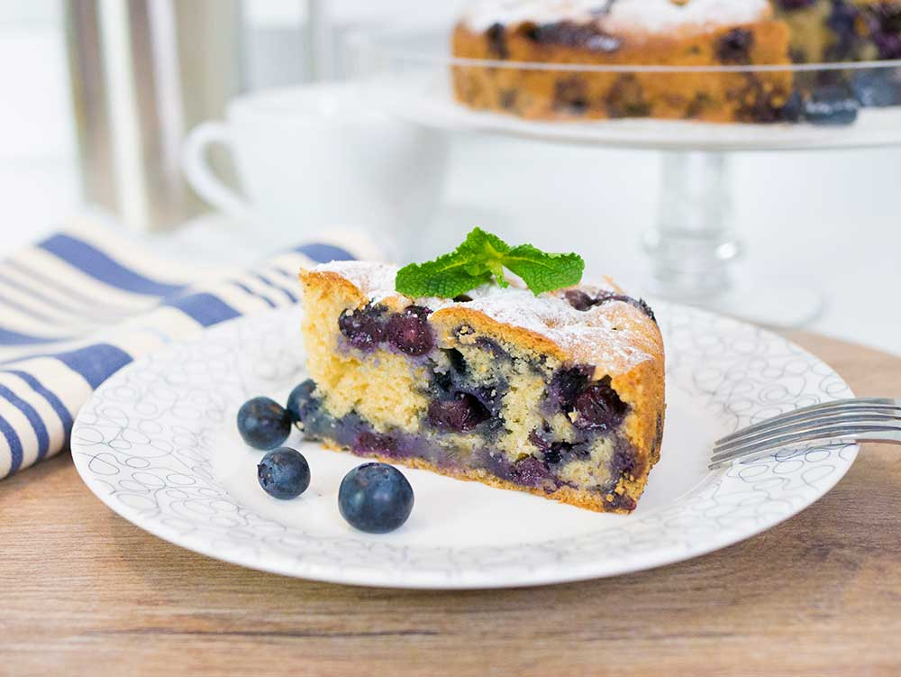 delicious and easy vegan blueberry cake