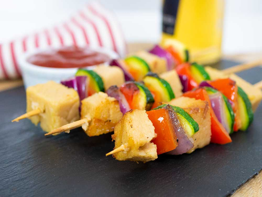 The vegan bbq can come with these skewers