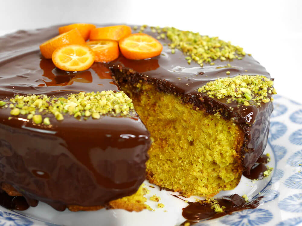 golden coloured vegan cake