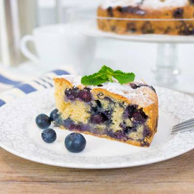 Easy vegan blueberry cake - exceedinglyvegan.com