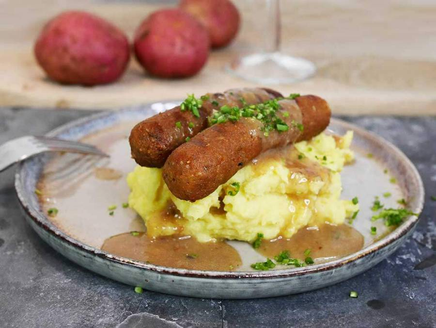 Vegan bangers & mash and vegan gravy - from scratch