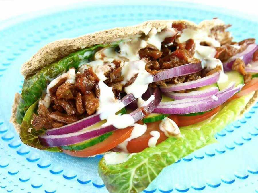 Vegan Doner kebap in pita with a vegan yoghurt sauce