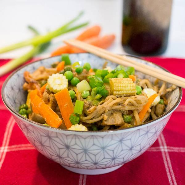 10 minute Chinese veggie noodles