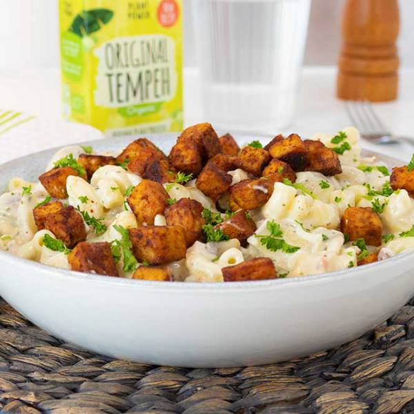 Meaty tempeh pasta with white mushroom sauce