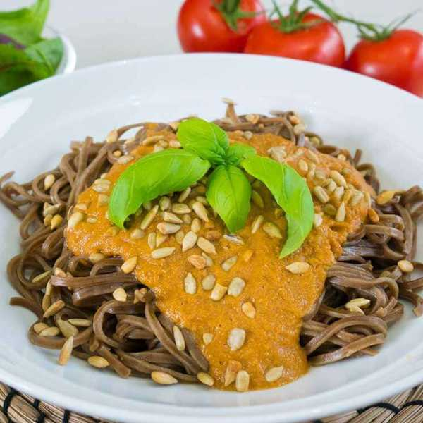 10 minute soba noodles with tomato sauce