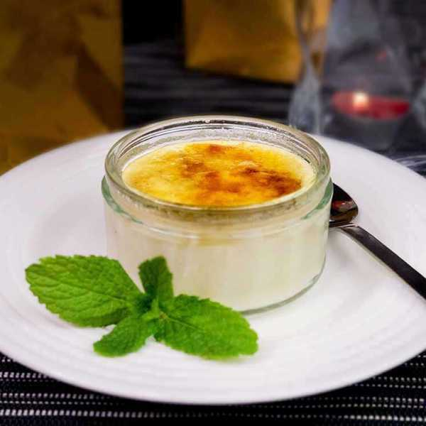 Vegan crème brûlée - easy to make and low fat