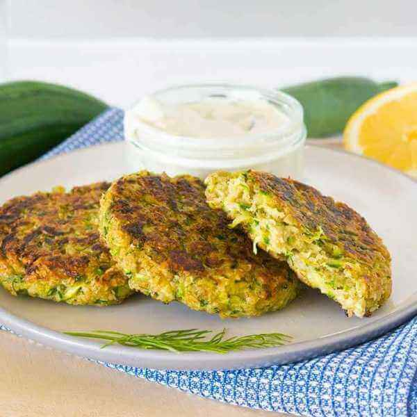 Easy courgette patties with vegan tzatziki