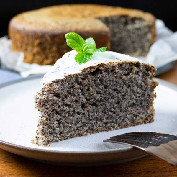 Easy vegan poppyseed cake