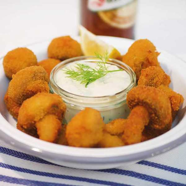 Beer battered mushrooms with vegan tartar sauce